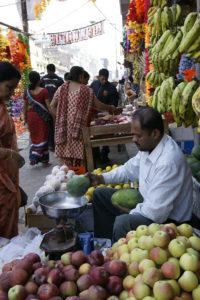 _DSC5307w - Vendeur de fruits