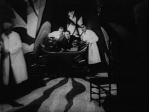 Dr Caligari - Le bureau du Docteur