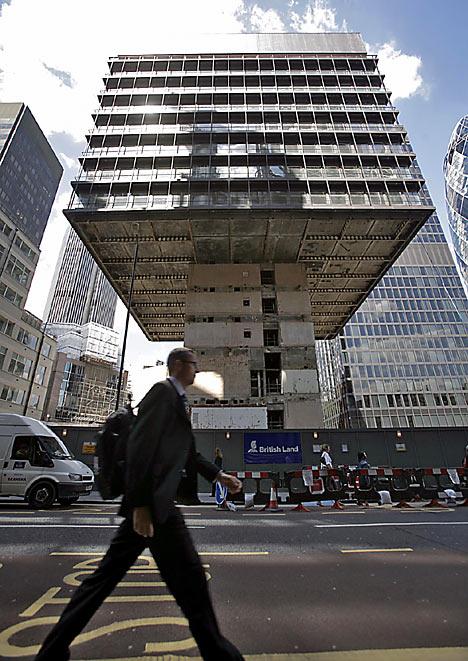 Immeuble P&O en cours de destruction