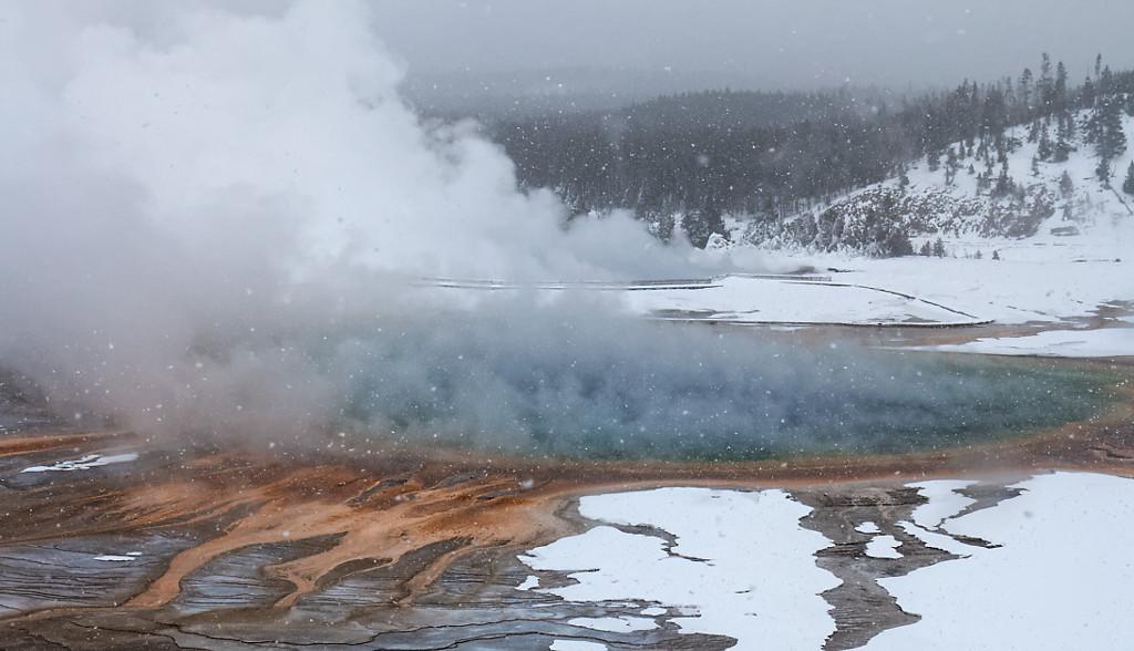 Geysers et sources chaudes en hiver – Yellowstone