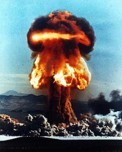 Atom bomb - Bombe atomique